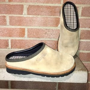 44cdb875f72f Simple Clogs comfort woman s size 11 Hallie Suede